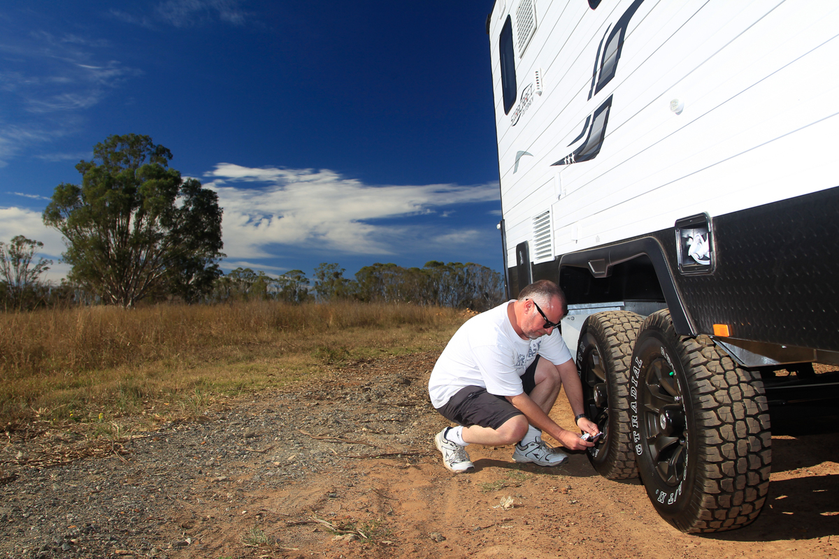 How To Correctly Set Your Caravan Tyre Pressure - Without A Hitch